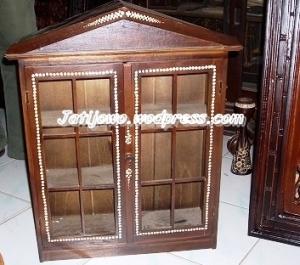 Kotak P3K dari Kayu Jati